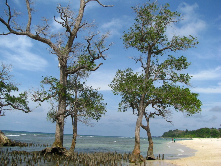 Pantai Pasir Putih Krueng Raya, Aceh Besar.