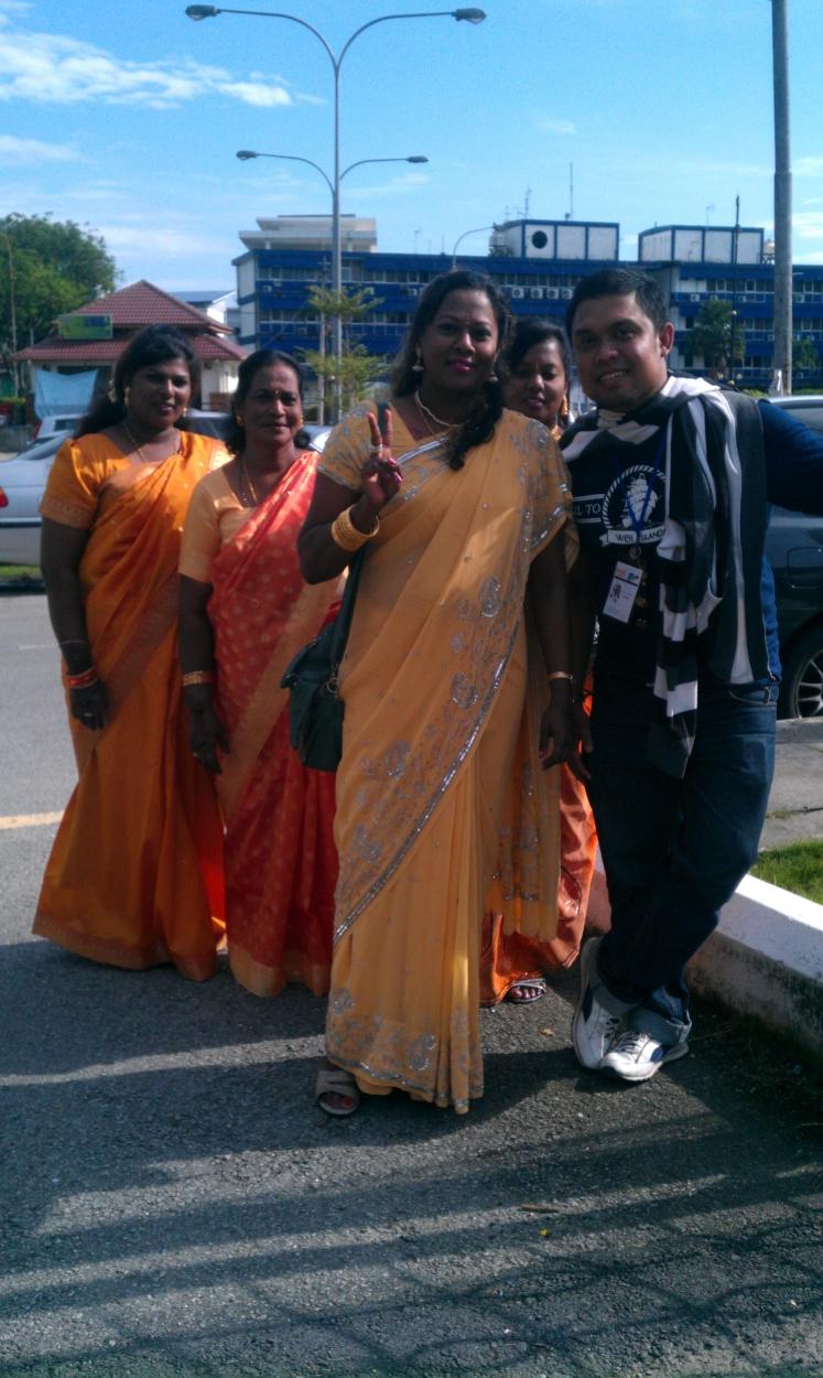 Bersama wanita India, acha acha mericha!
